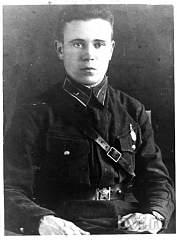 Нажмите на изображение для увеличения Название: Командир 3 сб лейтенант Ушаков А.М..jpg Просмотров: 58 Размер:37.9 Кб ID:1972270